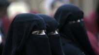 Lo ngại đánh bom tự sát, Tây Phi muốn cấm phụ nữ đeo mạng