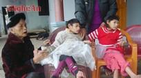 Cha mẹ tai nạn nuôi hai con tàn tật