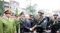 Tổng Bí thư Nguyễn Phú Trọng kiểm tra công tác sẵn sàng chiến đấu của Bộ tư lệnh Cảnh sát cơ động