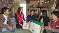 Hội Chữ thập đỏ tỉnh Trao quà Tết vì người nghèo tại xã Nậm Nhoóng