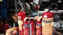 """""""Cháy"""" hàng bình cứu hỏa mini dù giá đã tăng gấp 4 lần"""