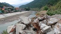 Sông Nậm Mộ bị bức tử