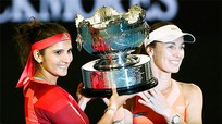 Hingis và Mirza vô địch đôi nữ Australia Mở rộng