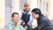 Đoàn công tác của Tỉnh ủy tặng quà, chúc Tết các đơn vị, cá nhân tại Đô Lương