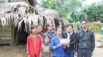 Bưu điện tỉnh và Báo Nghệ An tặng quà hộ nghèo ở Thanh Chương