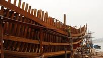 """""""Xông đất"""" cơ sở đóng tàu công suất lớn ở TX Hoàng Mai"""