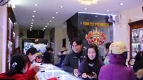 Hàng nghìn người dân Thành phố Vinh mua vàng trong ngày Thần Tài