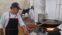 10 đầu bếp làm 800 suất ăn mỗi ngày cho đoàn phim 'King Kong'