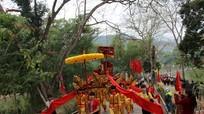 Khai hội đền Vạn - Cửa Rào