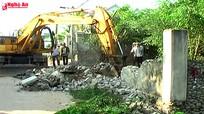 Giáo dân Bảo Nham (Yên Thành) tháo dỡ nhà cửa, hiến đất mở đường