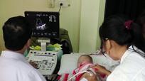 Yên Thành: Trên 200 trẻ em được khám sàng lọc