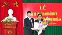 Trao Quyết định bổ nhiệm Phó Giám đốc Sở Nội vụ tỉnh Nghệ An