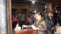 Nghệ An: Siết chặt quản lý tiền công đức tại các đền chùa