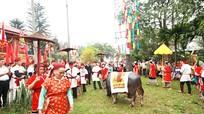 Hàng ngàn người tham dự Lễ hội đền Chín Gian