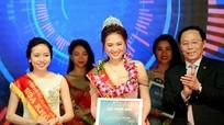 Ngắm các nữ nhà báo tương lai trổ tài trong cuộc thi sắc đẹp