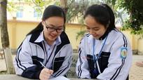 Gặp 2 nữ sinh xinh đẹp, tài năng Tiếng Anh ở trường Phan