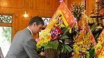 Đại sứ Vương quốc Anh dâng hoa tại Khu di tích Kim Liên