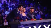Thí sinh vặn cổ 180 độ khiến giám khảo Got Talent rùng mình