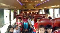 Nghệ An: Học sinh miền núi được đưa đón bằng xe buýt