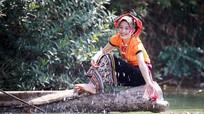 Ngẩn ngơ vẻ đẹp thiếu nữ Thái miền Tây Nghệ An