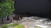 Nhà 5 tầng sập giữa đêm ở Cao Bằng, vùi lấp 6 người