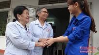 Bệnh viện Y Học Cổ Truyền tỉnh nấu cháo từ thiện phục vụ bệnh nhân