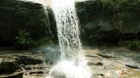 Tắm thác 7 tầng ngày nắng, nam thanh niên tử vong
