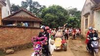 Rộn ràng rước dâu bằng xe máy 67 ở xứ Nghệ