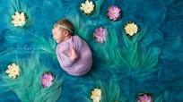 Độc đáo bộ tranh nổi tiếng ghép các bé sơ sinh
