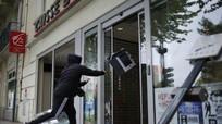 Pháp: Biểu tình có nguy cơ làm gián đoạn giải bóng đá Euro