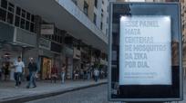 Độc đáo bảng hiệu 'toát mồ hôi' bẫy muỗi mang Zika