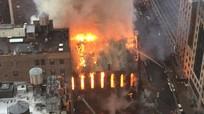 Cháy lớn ở nhà thờ New York