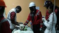 Bé gái Kenya 6 tháng tuổi sống sót sau 4 ngày bị chôn vùi
