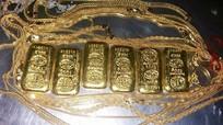 Bắt người chuyển lậu 600 gram vàng trong trực tràng