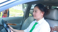 Những bóng hồng lái taxi ở Nghệ An