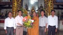 Ủy ban MTTQ tỉnh thăm, chúc mừng các chùa nhân Đại lễ Phật Đản