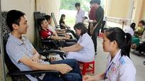 60 sinh viên Đại học Y Khoa Vinh tham gia hiến máu cấp cứu