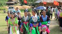 Người dân vùng biên giới Nghệ An đi bầu cử sớm