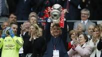 Man Utd sa thải Van Gaal, bổ nhiệm Mourinho đầu tuần sau