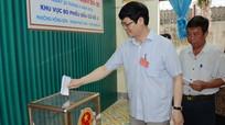 Các đồng chí Phó Chủ tịch UBND tỉnh đi bầu cử