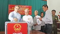 Các chức sắc tôn giáo ở Nghệ An đi bầu cử
