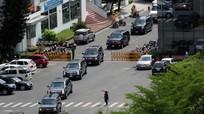 Cận cảnh đoàn siêu xe 'quái thú' của Tổng thống Mỹ đổ bộ xuống đường phố Việt Nam