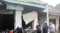 Nghệ An: Cửa hàng tạp hóa bốc cháy dữ dội trong đêm