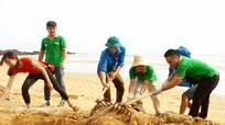 150 Đoàn viên ở Nghi Lộc ra quân vệ sinh môi trường bãi biển