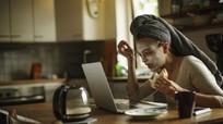 Pháp: Cấm sếp gửi email cho nhân viên sau giờ làm
