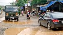 Tuyến đường 538 ở Nghệ An thành ao hồ sau trận mưa nhỏ