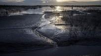 Ngôi làng bùn tấn công 10 năm 'không nghỉ'