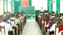 Đảng ủy Khối CCQ tỉnh bồi dưỡng lý luận chính trị cho đảng viên mới