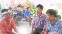 Huyện Nghi Lộc  thăm hỏi gia đình có người tử nạn trong vụ nổ xe khách tại Lào