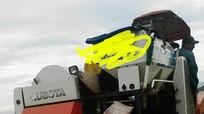 Nghệ An: Khởi tố kẻ dùng dao đòi tiền bảo kê máy gặt lúa